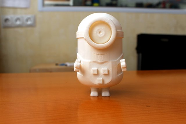 Миньон и куб из пластика PLA, FDM, Makerbot Replicator 2